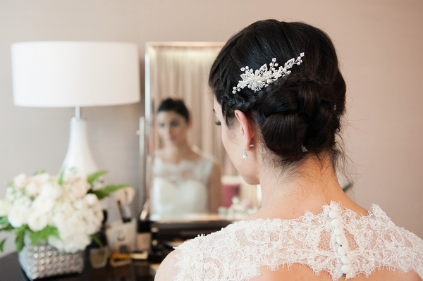 Bride wearing Anna Comb by Olivier Laudus