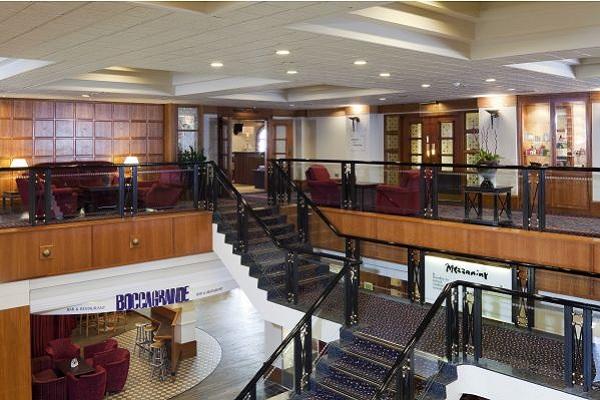Crowne Plaza Leeds - Mezzanine Staircase