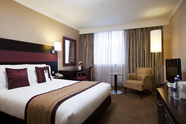 Crowne Plaza Leeds - Standard Bedroom