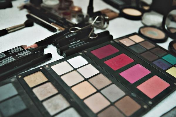 Make-up colour palette