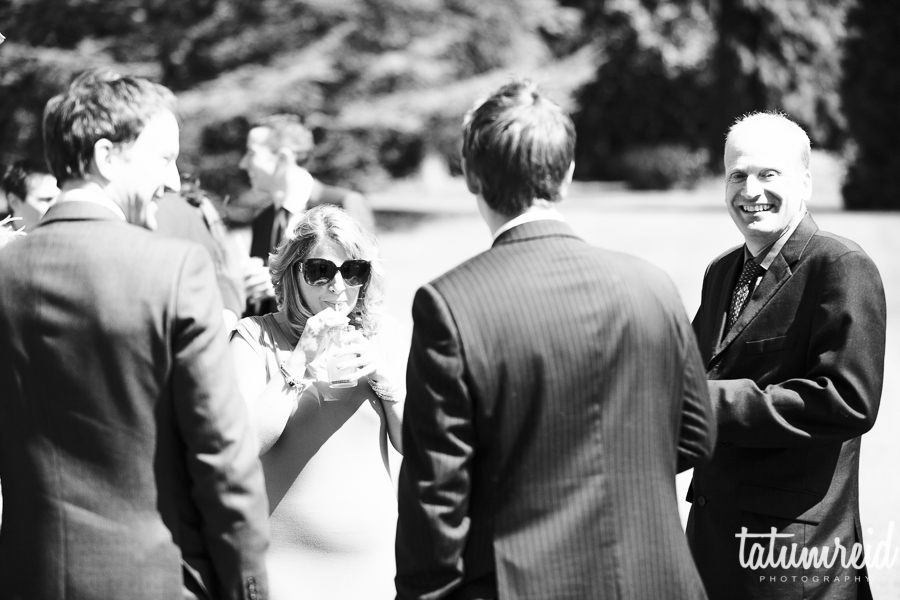 Wedding guests drinking arrival drinks
