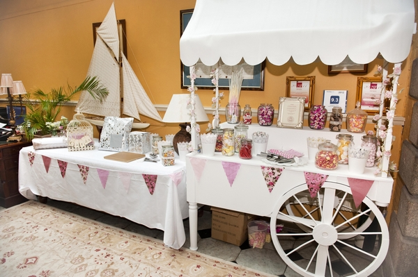 Wedding sweetie cart