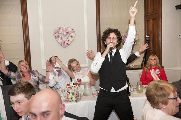 Undercover wedding singer