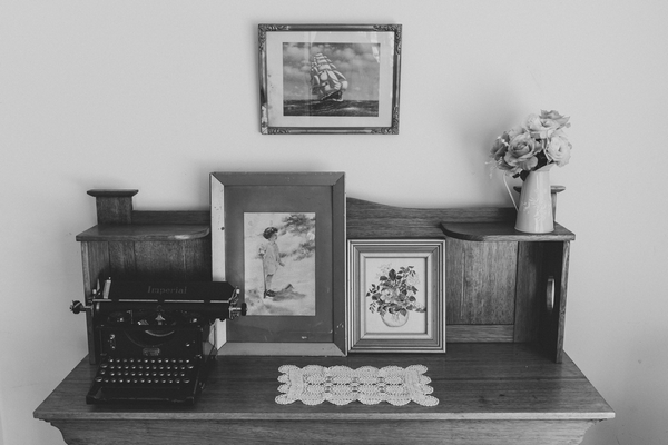 Pictures and old typewriter