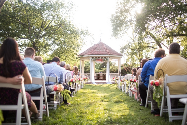 Outdoor wedding ceremony at Harn Homestead