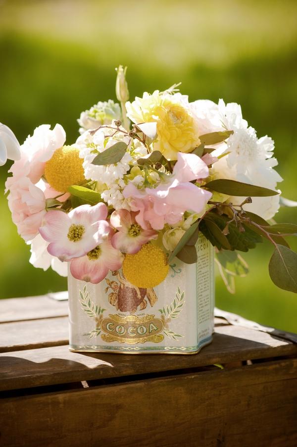Vintage tin of flowers