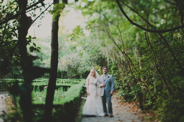 Bride and groom at Magnolia Plantation and Gardens