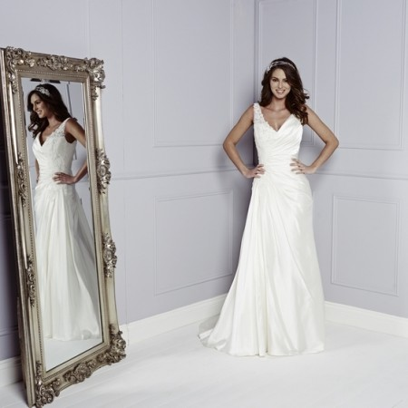 Brooke Wedding Dress - Amanda Wyatt Blue Iris 2015 Bridal Collection