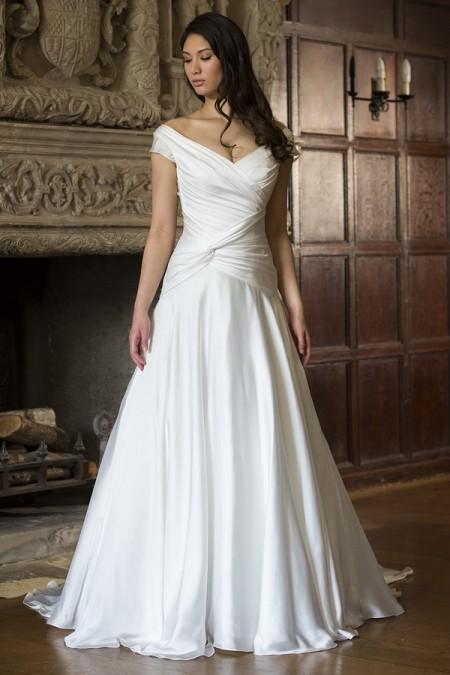 Victoria Wedding Dress - Augusta Jones The Hallmark 2015 Bridal Collection