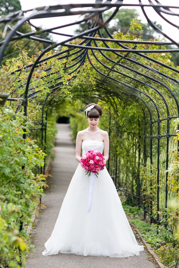 Bride holding pink bouquet
