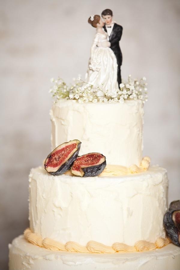 Figs on wedding cake