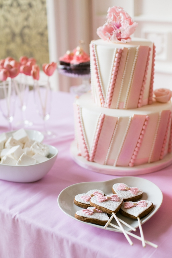 Wedding cake and biscuits