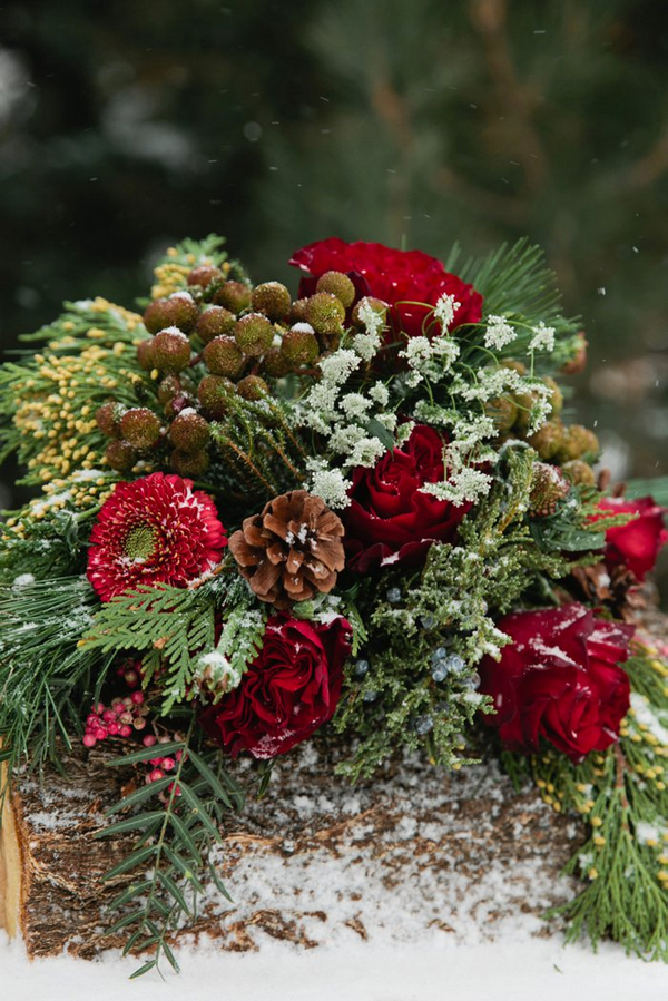 Floral Christmas table centrepiece
