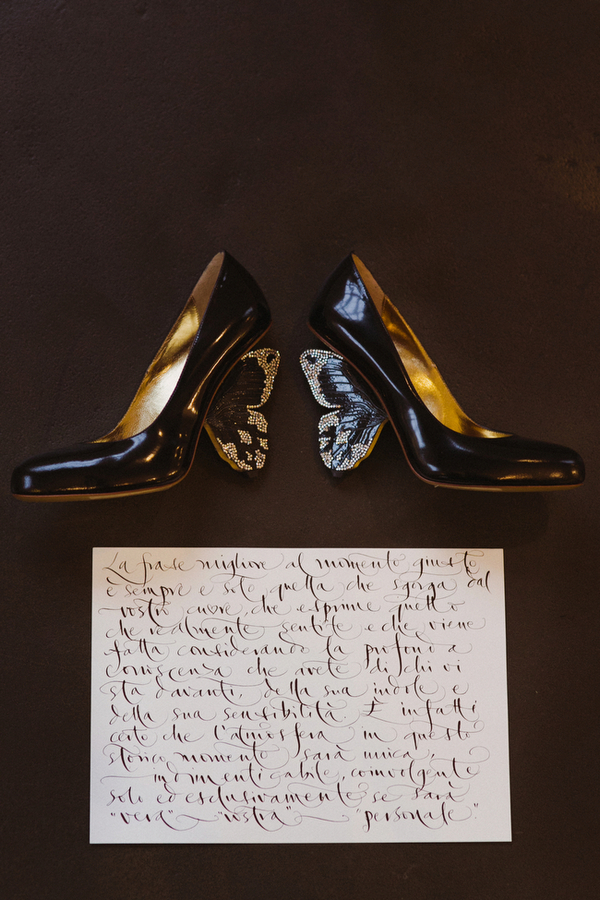 Wedding shoes and message