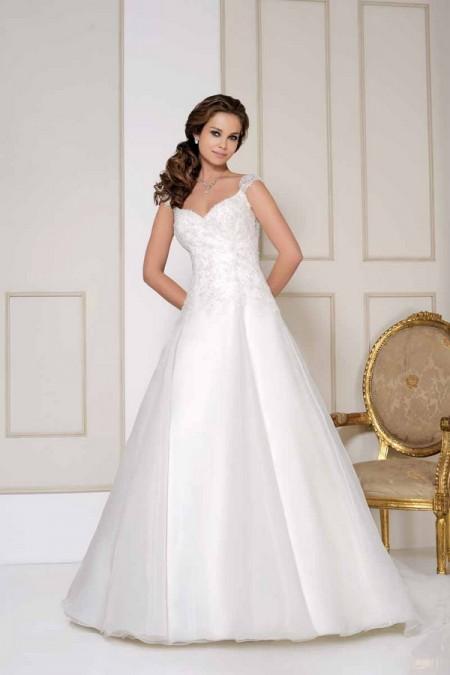 2511 Wedding Dress - Benjamin Roberts 2015 Bridal Collection