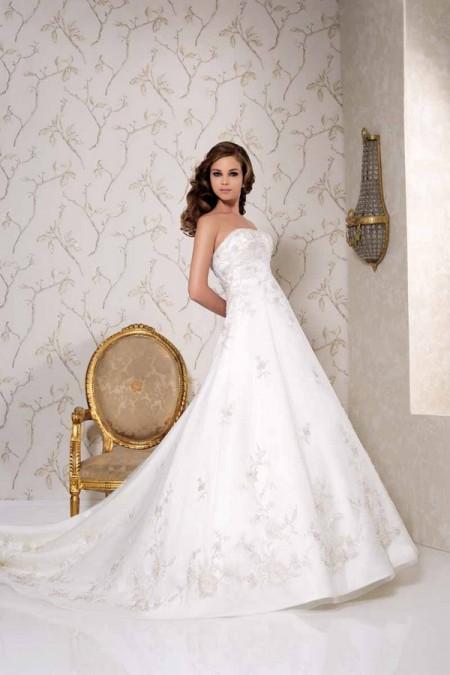 2513 Wedding Dress - Benjamin Roberts 2015 Bridal Collection