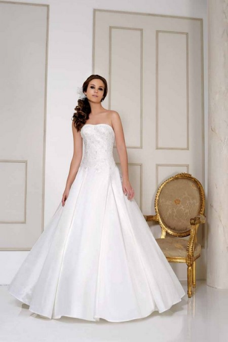 2515 Wedding Dress - Benjamin Roberts 2015 Bridal Collection