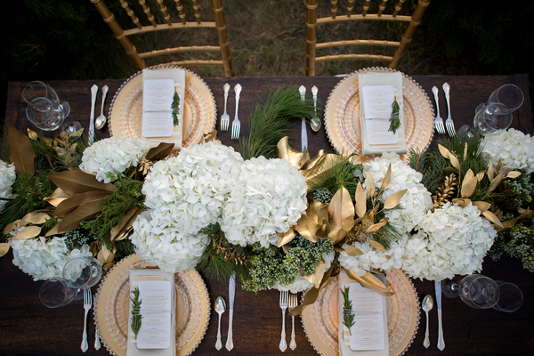 Wedding table centrepiece and plates