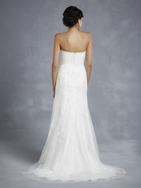 Back of BT15-14 Wedding Dress - Beautiful by Enzoani 2015 Bridal Collection