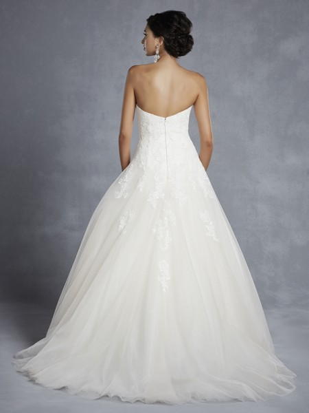 Back of BT15-3 Wedding Dress - Beautiful by Enzoani 2015 Bridal Collection