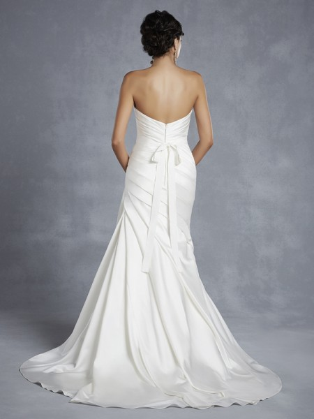 Back of BT15-4 Wedding Dress - Beautiful by Enzoani 2015 Bridal Collection