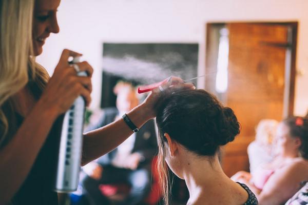 Hair styling spraying hairspray