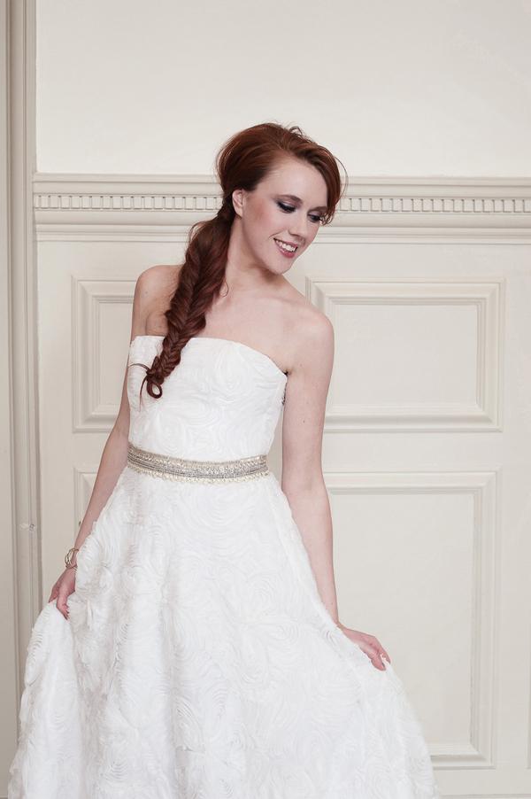 Bride wearing Kobus Dippenaar AG-12-022 dress