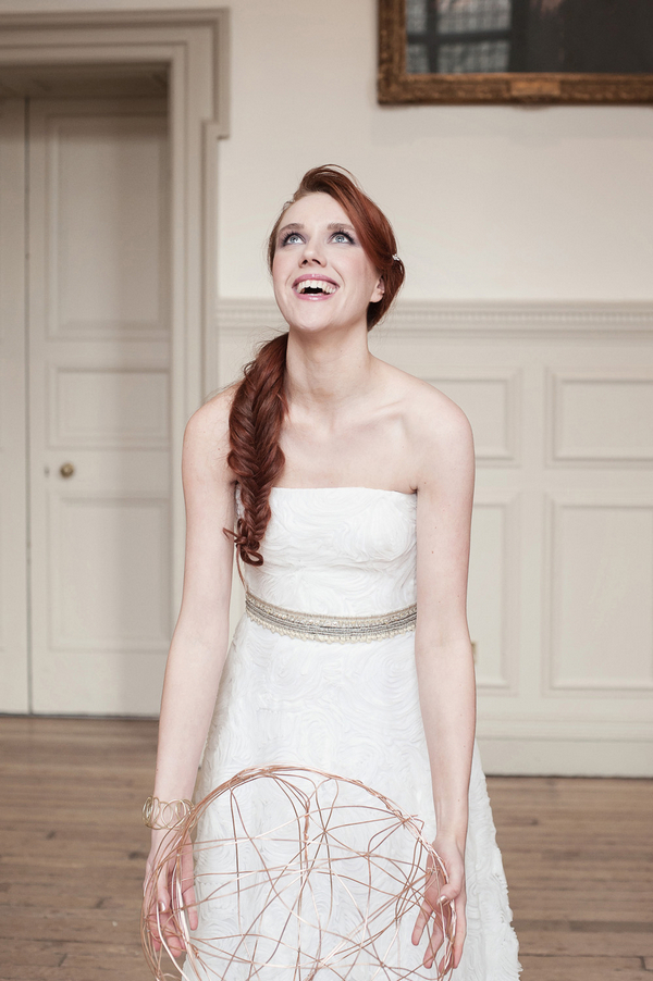 Bride holding wire ball
