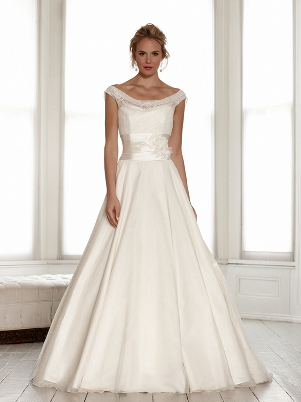 Eloise Wedding Dress - Sassi Holford Signature 2015 Bridal Collection