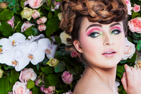 Bride with updo and bright pink eye make-up