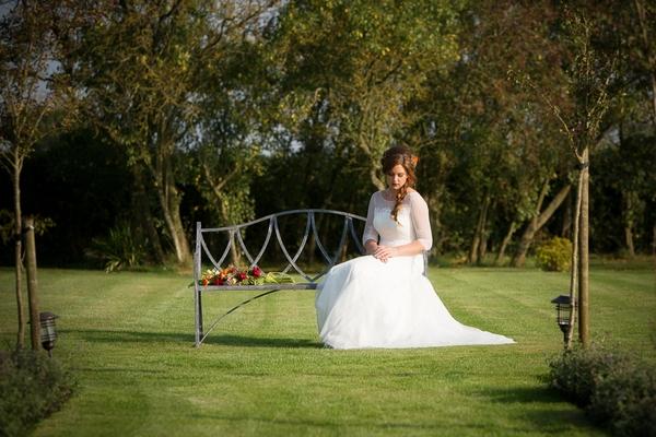 Hedgerow Inspired Bridal Styling at Stratton Court Barn