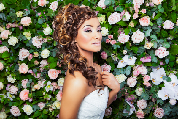 Bride with cascading waves hairstyle