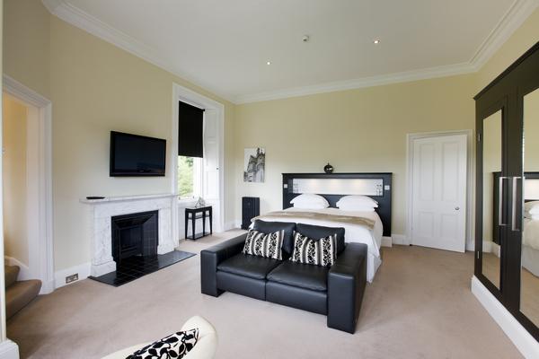 Kinnettles Castle Bedroom Suite