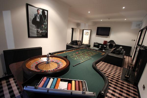 Kinnettles Castle Games Room