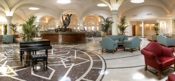Phoenicia Hotel Palm Court Lounge
