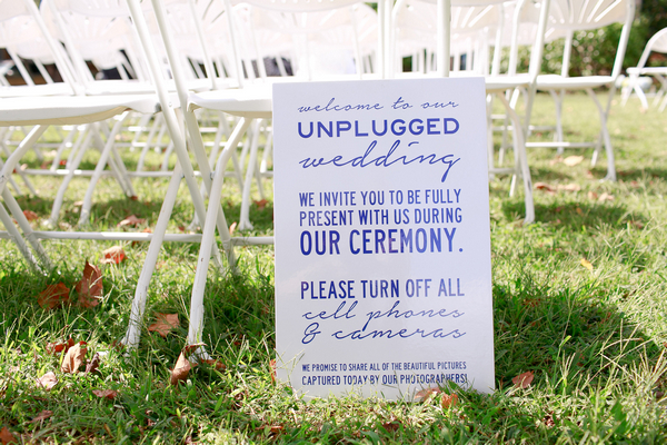 Wedding sign asking to turn off phones