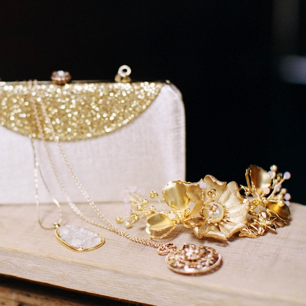 Gold wedding jewellery