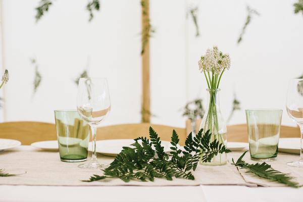 Leaf on wedding table