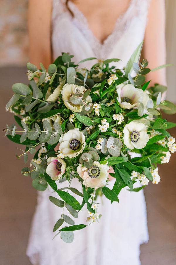 Bride's large bouquet
