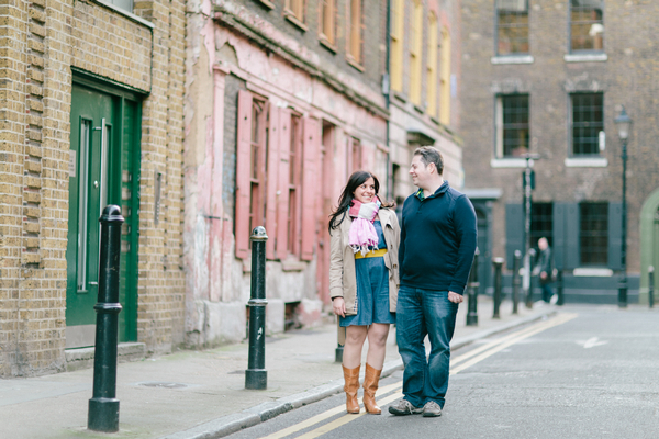 Couple walking streets in Shoreditch