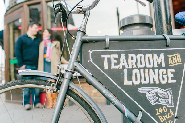 Tearoom Lounge sign