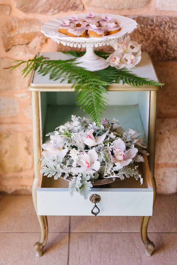 Drawer with flowers
