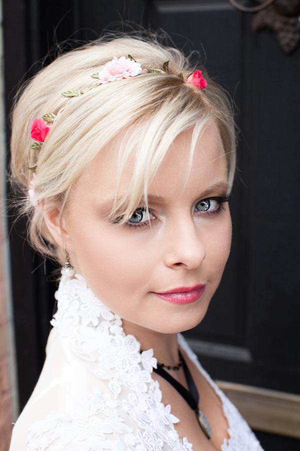 Bride with flower headband
