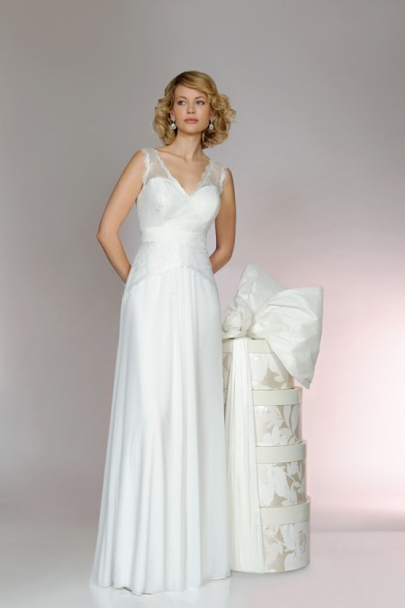 Picture of 5553 Wedding Dress - Tia by Benjamin Roberts 2015 Bridal Collection