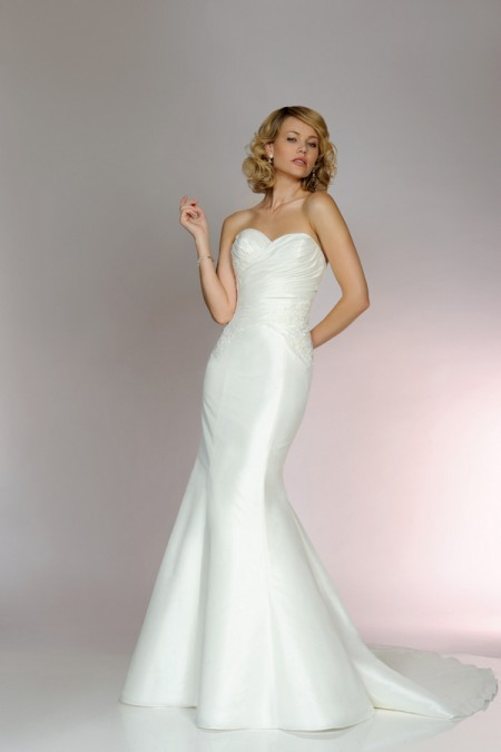Picture of 5554 Wedding Dress - Tia by Benjamin Roberts 2015 Bridal Collection