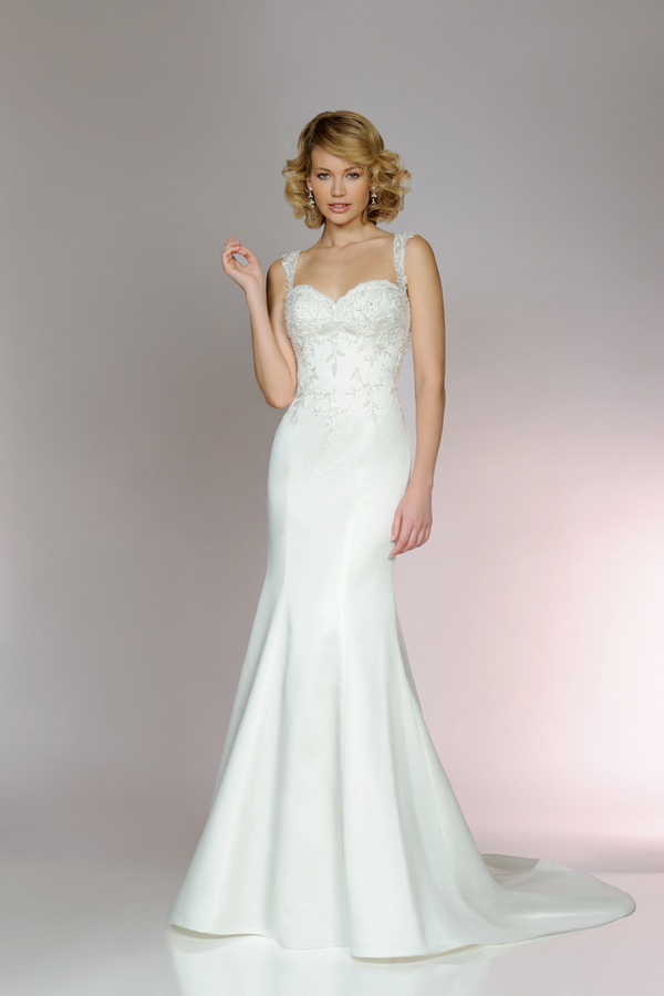 Picture of 5556 Wedding Dress - Tia by Benjamin Roberts 2015 Bridal Collection