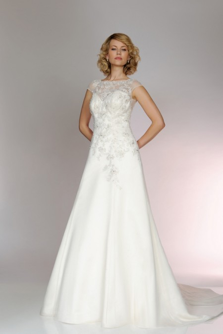 Picture of 5559 Wedding Dress - Tia by Benjamin Roberts 2015 Bridal Collection