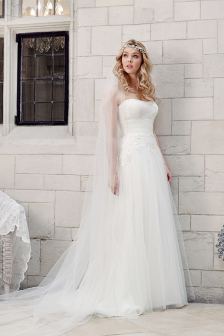Picture of 5601 Wedding Dress - Tia by Benjamin Roberts 2016 Bridal Collection