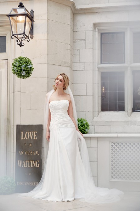 Picture of 5604 Wedding Dress - Tia by Benjamin Roberts 2016 Bridal Collection