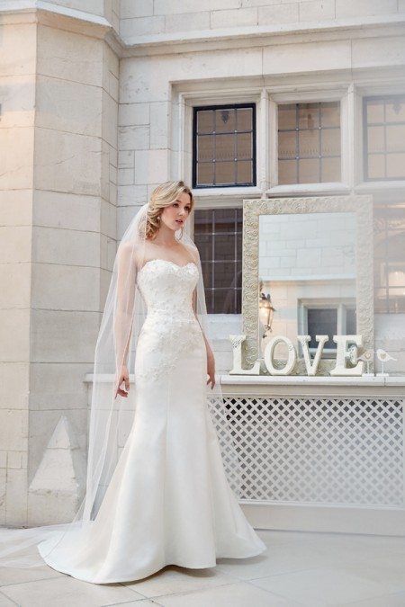 Picture of 5606 Wedding Dress - Tia by Benjamin Roberts 2016 Bridal Collection